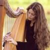 Harpist Hollienea